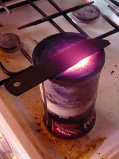 Газовая нагревательная печь из консервной банки
